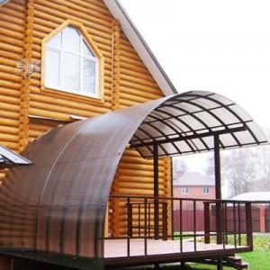 Навесы из поликарбоната для дачи — удобный и уютный участок своими руками
