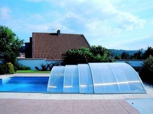 Навесы для бассейнов из поликарбоната — надежная защита от неблагоприятных факторов