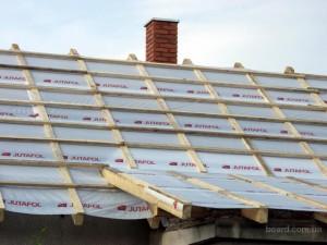 Гидроизоляция под металлочерепицу — важный этап в строительстве